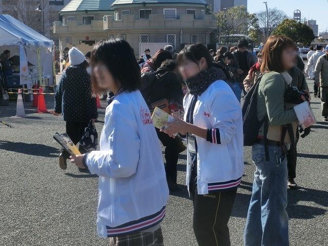 多くの高校生ボランティアが頑張っていた「2017 東海・北陸B-1グランプリin富士」_f0141310_07300802.jpg