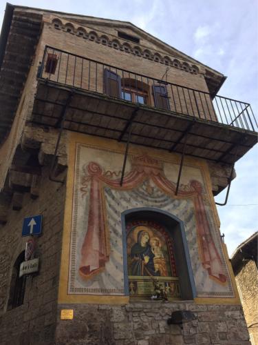 アッシジ 聖フランチェスコ聖堂 神々しいエネルギー満ちる街 イタリア珍道中4日目!トラットリア Pallota ☆_f0355367_23250148.jpg