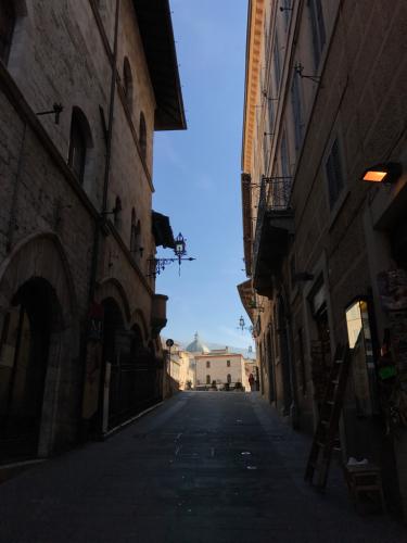 アッシジ 聖フランチェスコ聖堂 神々しいエネルギー満ちる街 イタリア珍道中4日目!トラットリア Pallota ☆_f0355367_23391664.jpg