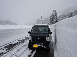雪まつり会場準備始める_d0122374_2321853.jpg
