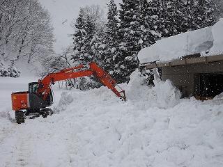 雪まつり会場準備始める_d0122374_232538.jpg