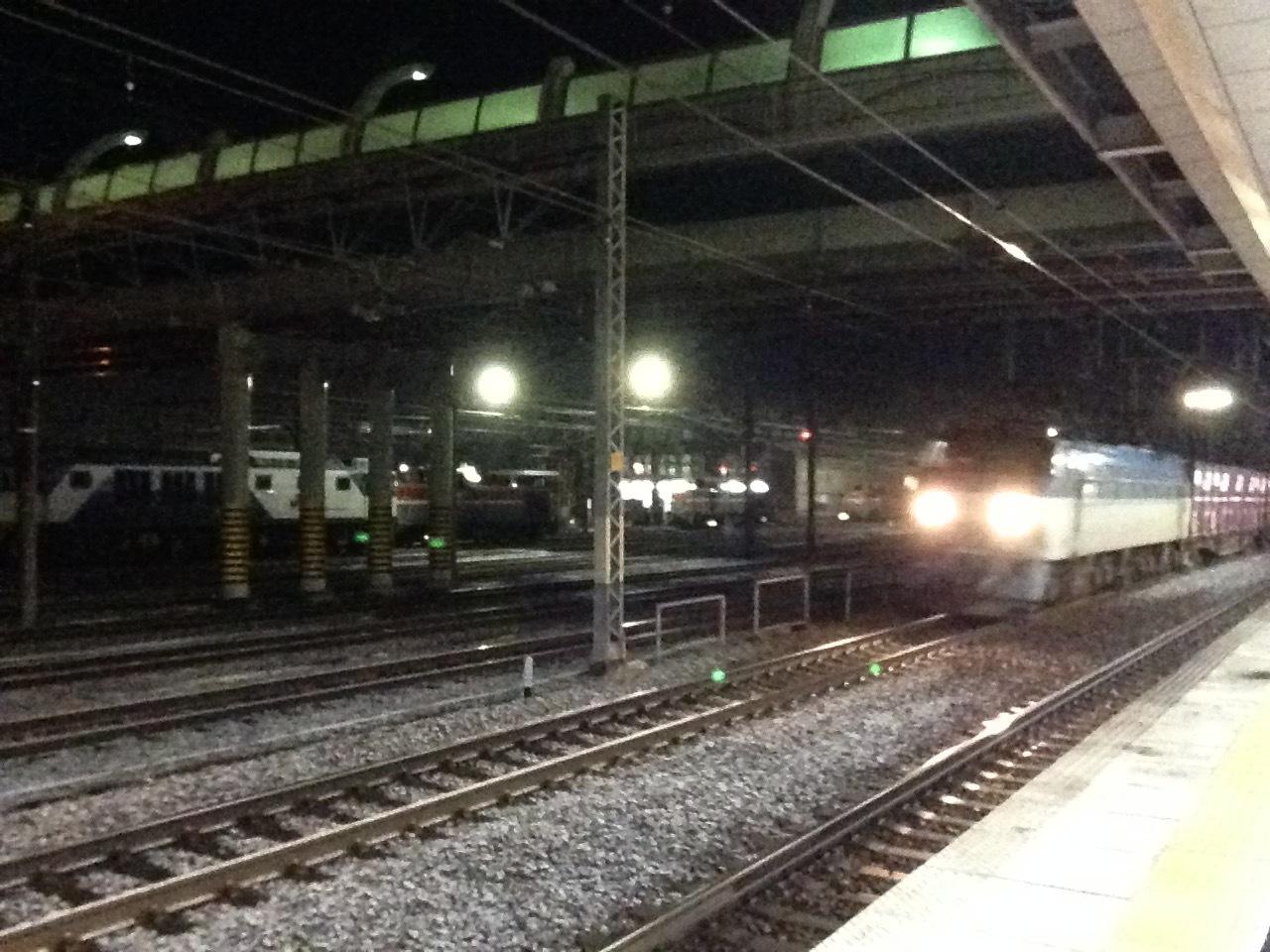 貨物列車通過@稲沢駅_a0334793_06582833.jpg