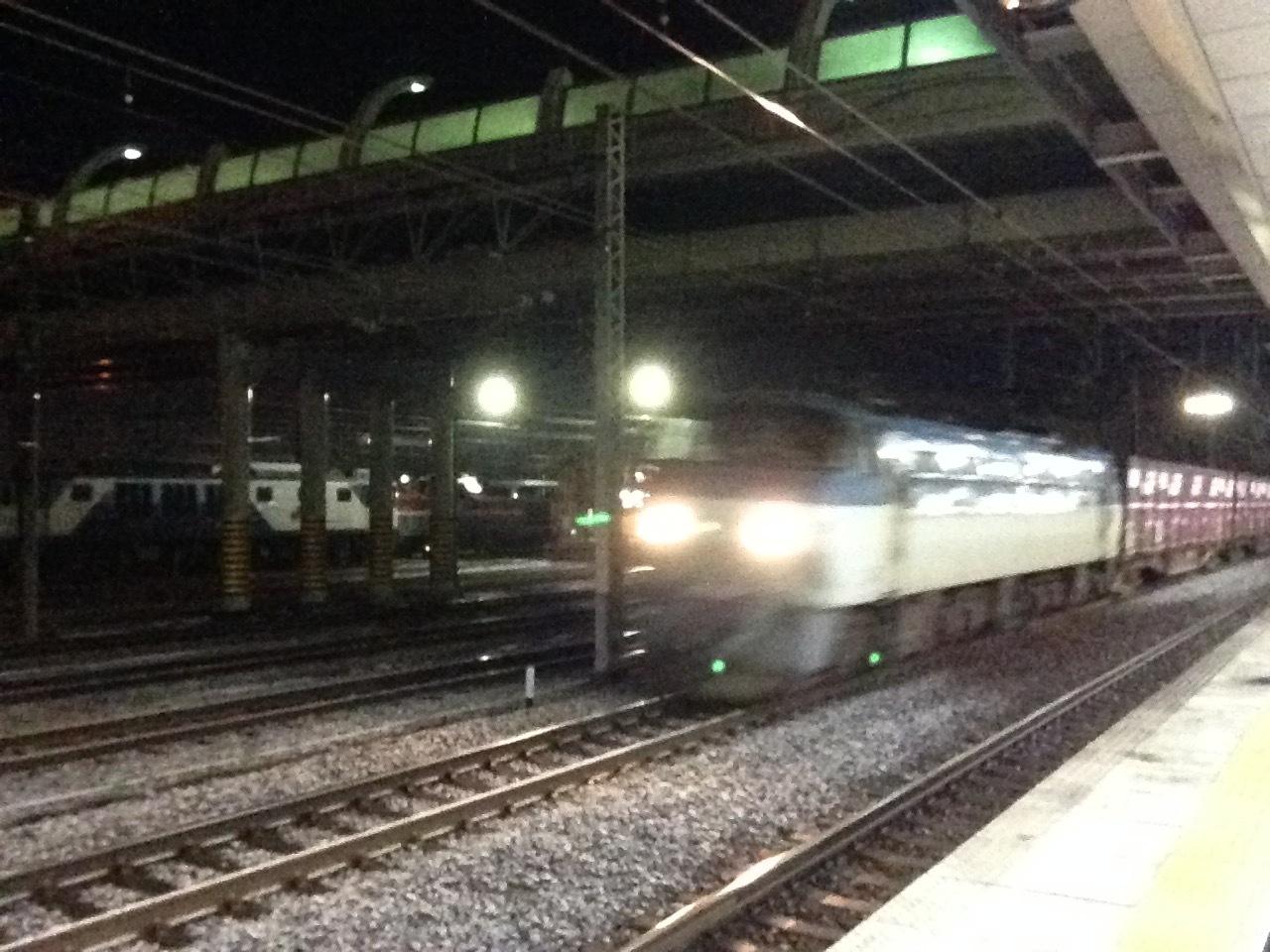 貨物列車通過@稲沢駅_a0334793_06585313.jpg