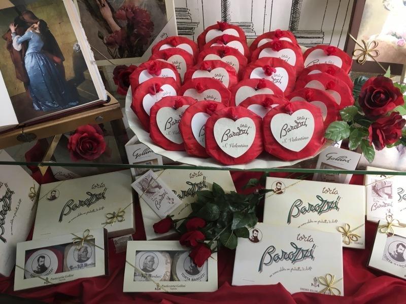 """モデナの老舗バレンタインチョコ⁈\""""Torta di Barozzi トルタバロッツィ\""""_b0246303_02481324.jpg"""
