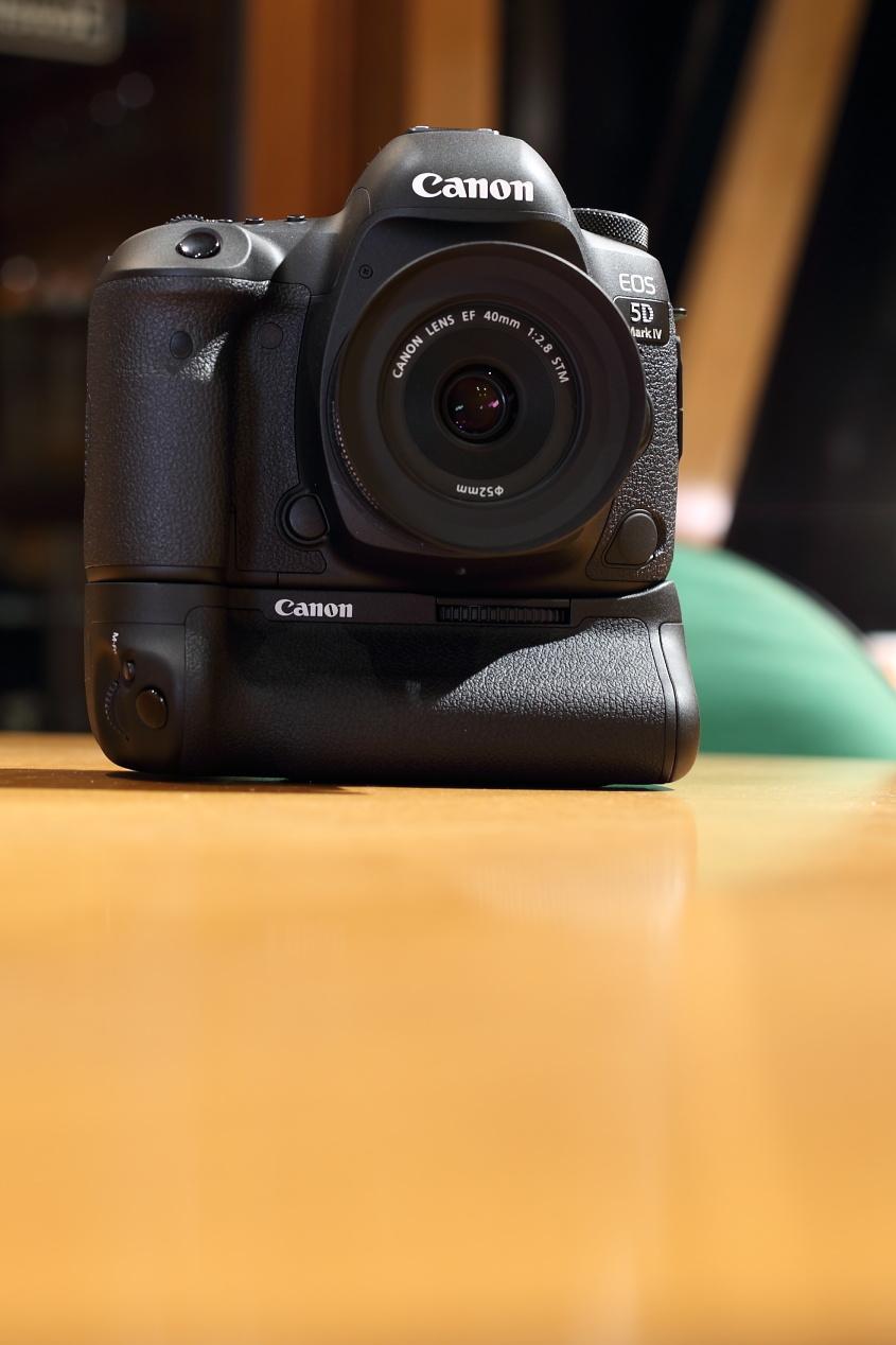 EOS 5D Mark IV  BG-E20_d0081605_03024175.jpg