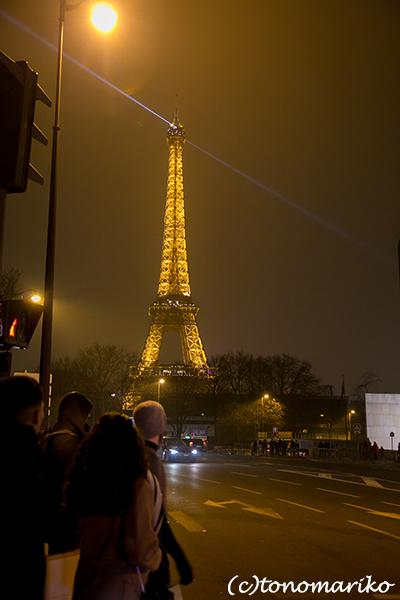 パリの夜のモニュメント_c0024345_08493755.jpg