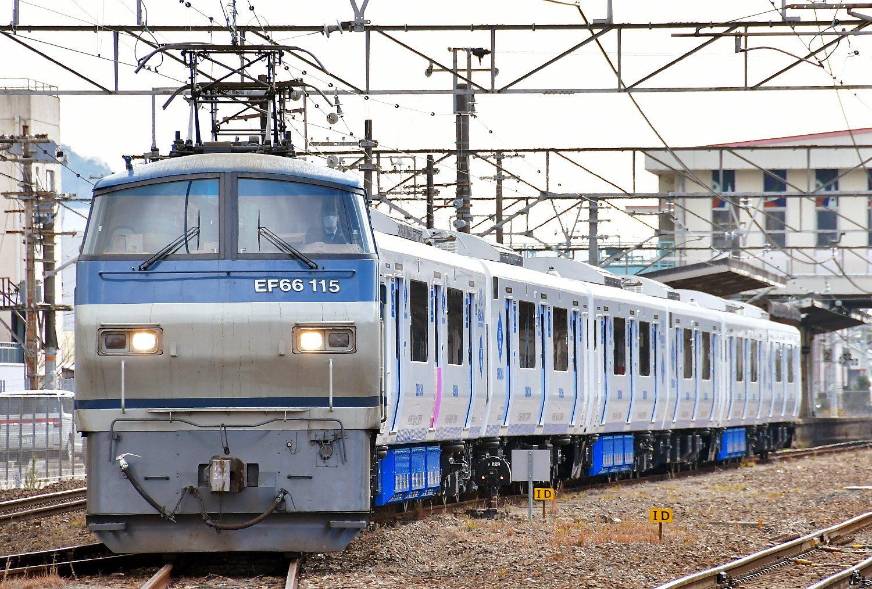 JR九州819系増備車甲種_a0251146_01133562.jpg