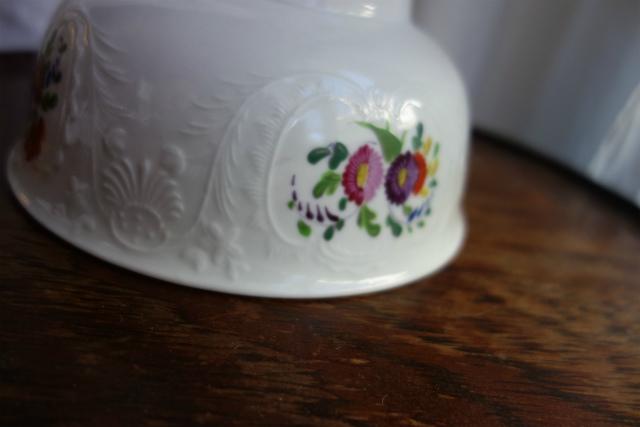 白磁花柄サラダボウル10  半額_f0112550_19221380.jpg