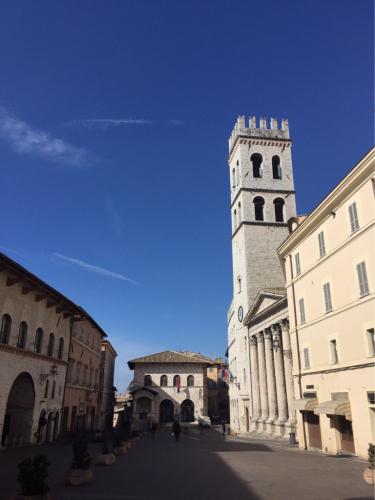 アッシジ 聖フランチェスコ聖堂 神々しいエネルギー満ちる街 イタリア珍道中4日目!トラットリア Pallota ☆_f0355367_00035766.jpg