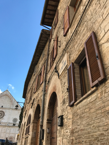 アッシジ 聖フランチェスコ聖堂 神々しいエネルギー満ちる街 イタリア珍道中4日目!トラットリア Pallota ☆_f0355367_00121679.jpg