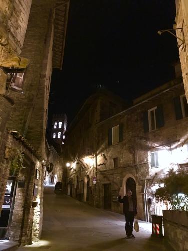 アッシジ 聖フランチェスコ聖堂 神々しいエネルギー満ちる街 イタリア珍道中4日目!トラットリア Pallota ☆_f0355367_17520279.jpg