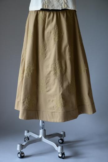 M71804 チノ スズラン刺繍スカート_b0117913_19142362.jpg
