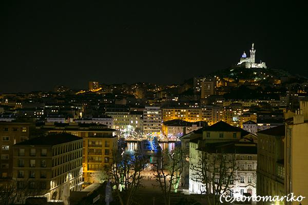 今夜はマルセイユの夜景からボンソワ〜ル_c0024345_08294802.jpg