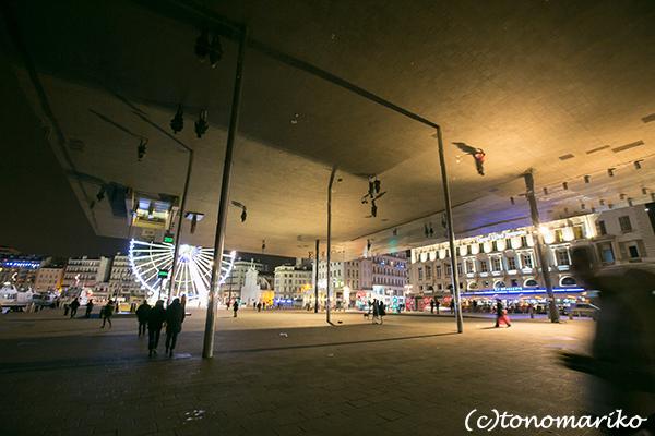 今夜はマルセイユの夜景からボンソワ〜ル_c0024345_08294857.jpg