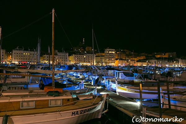 今夜はマルセイユの夜景からボンソワ〜ル_c0024345_08294945.jpg