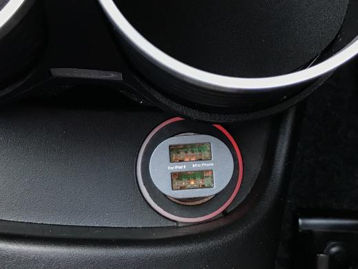 A USB power socket for Abarth 500._c0128818_16503953.jpg