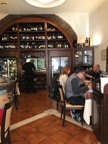 ローマおすすめシーフードレストラン Restorante Due Ladroni イタリア珍道中7日目!ミラノに到着〜〜〜(^^)_f0355367_00484791.jpg