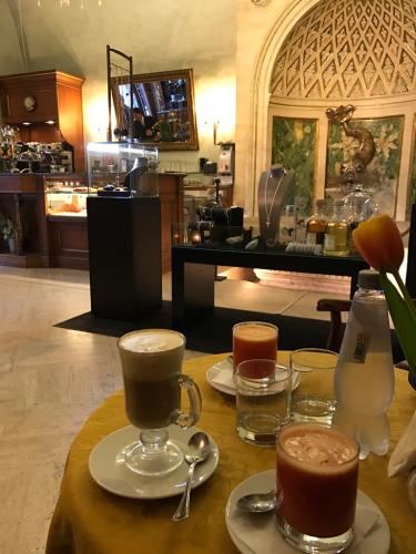 ローマおすすめシーフードレストラン Restorante Due Ladroni イタリア珍道中7日目!ミラノに到着〜〜〜(^^)_f0355367_01051966.jpg