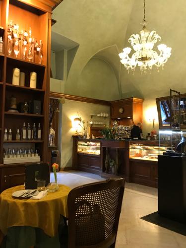 ローマおすすめシーフードレストラン Restorante Due Ladroni イタリア珍道中7日目!ミラノに到着〜〜〜(^^)_f0355367_01052090.jpg