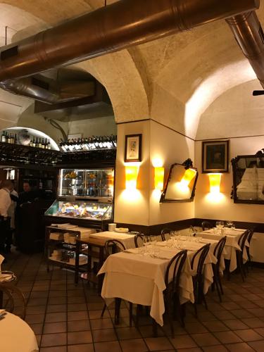 ローマおすすめシーフードレストラン Restorante Due Ladroni イタリア珍道中7日目!ミラノに到着〜〜〜(^^)_f0355367_07200977.jpg