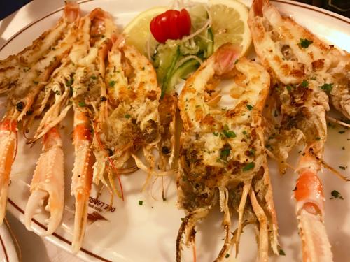 ローマおすすめシーフードレストラン Restorante Due Ladroni イタリア珍道中7日目!ミラノに到着〜〜〜(^^)_f0355367_07201299.jpg