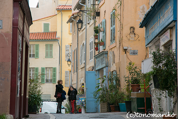 旅先での「旧市街」さんぽ 〜マルセイユ「パニエ地区」〜_c0024345_06295965.jpg