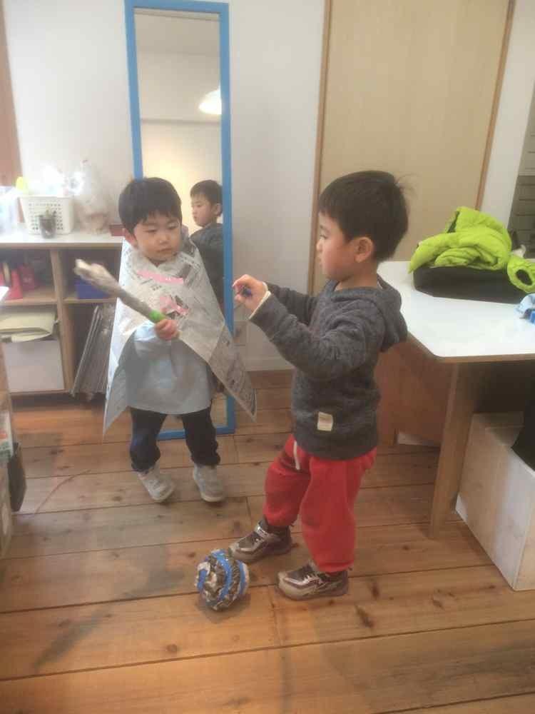 新聞紙の造形〜5歳児_d0076558_07503610.jpg