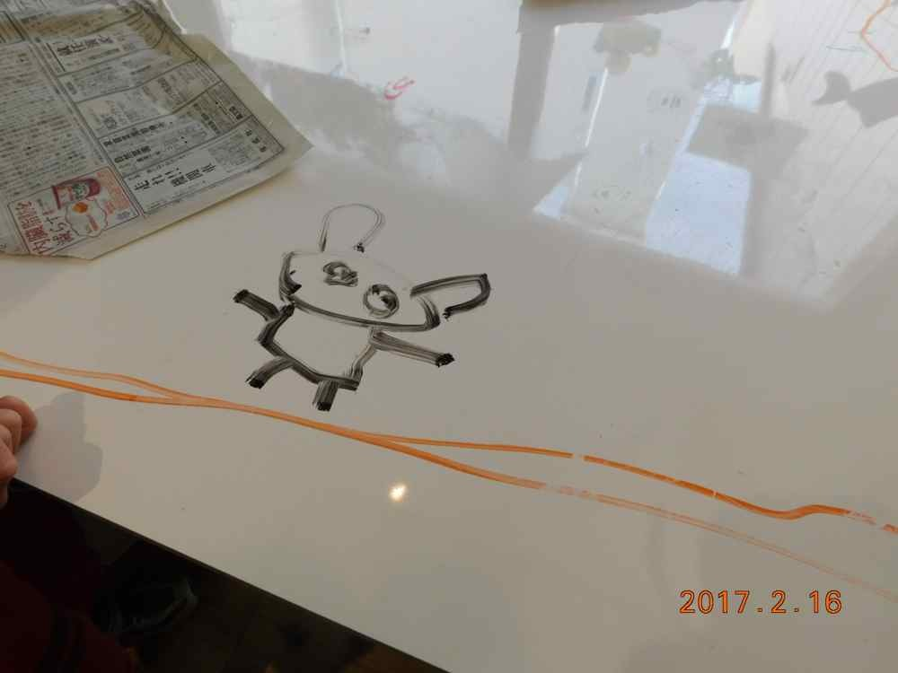 新聞紙の造形〜5歳児_d0076558_08001695.jpg