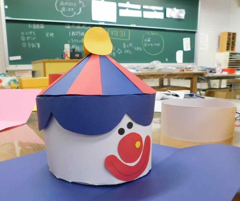 箱をつくる〜子ども・大学生の造形_d0076558_16553829.jpg