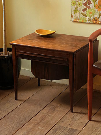 sewing table (Johannes Andersen)_c0139773_14352514.jpg