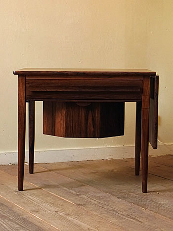 sewing table (Johannes Andersen)_c0139773_14353481.jpg