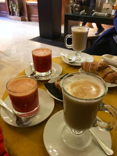 願いを込めて♡ ローマからバンコクへ!最後の朝モーニングカフェ♡ _f0355367_10040802.jpg