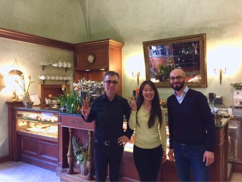 願いを込めて♡ ローマからバンコクへ!最後の朝モーニングカフェ♡ _f0355367_10500551.jpg