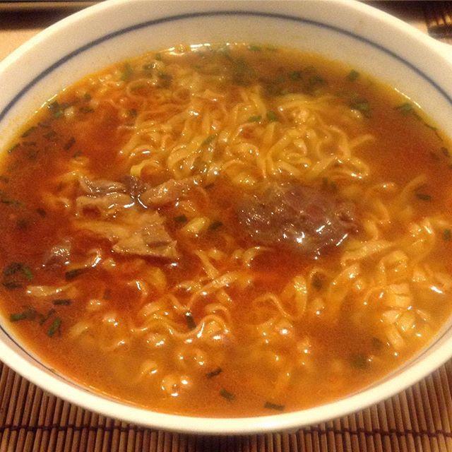 台湾の美味いインスタント麵~満漢大餐 葱焼牛肉麺_a0334793_07135389.jpg