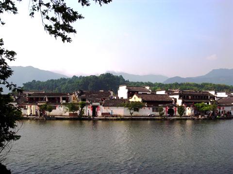 宏村(1)~2016世界遺産の旅_b0145843_13410449.jpg