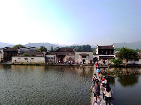 宏村(1)~2016世界遺産の旅_b0145843_13410463.jpg