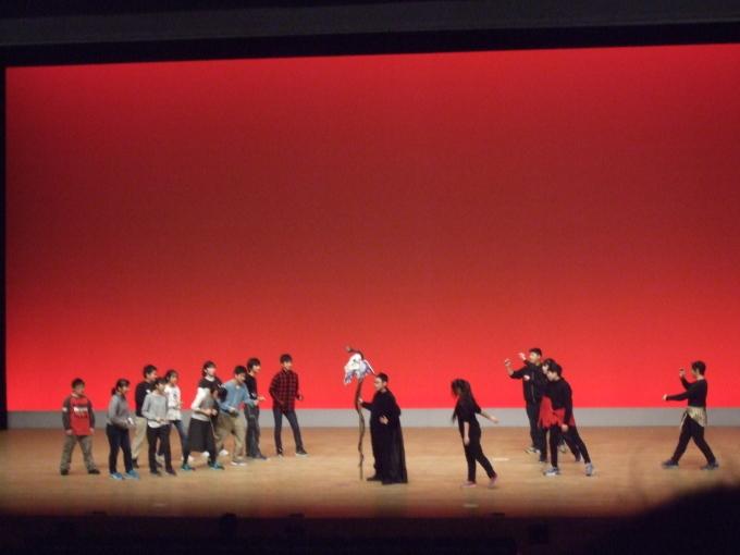 大舞台で堂々と演技! ~八王子市立第三中学校~_e0088256_05225320.jpg