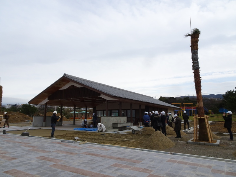 「しおさい楽習館」完成間近・・・せんなん里海公園_c0108460_20412041.jpg