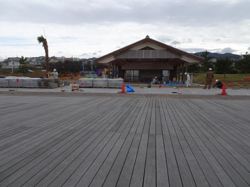 「しおさい楽習館」完成間近・・・せんなん里海公園_c0108460_20430000.jpg