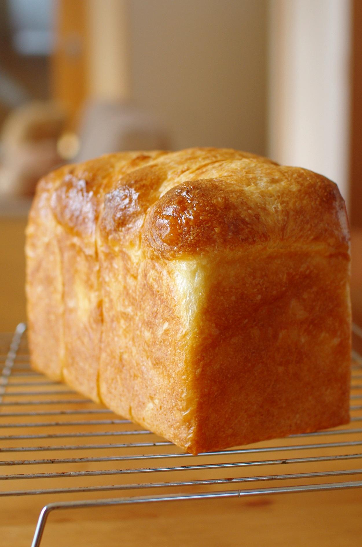 卵入り、油脂なしで、ホテルブレッド風食パン①_c0110869_16235861.jpg
