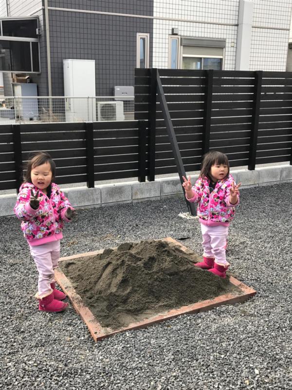砂場を、作りました_e0365432_10331370.jpg