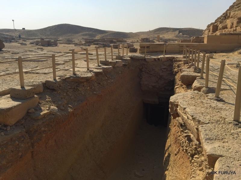 """エジプト史最古の史跡を訪ねて  \""""サッカラ\""""_a0092659_22072217.jpg"""