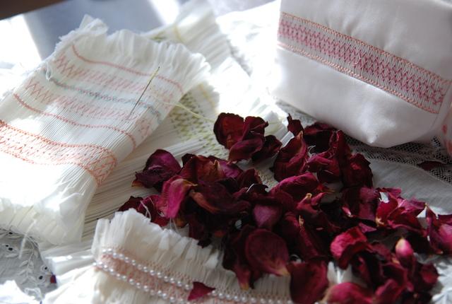 スモッキング刺繡..._c0147770_1848274.jpg