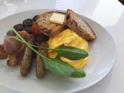 世界一の朝食_d0291758_16285033.jpg