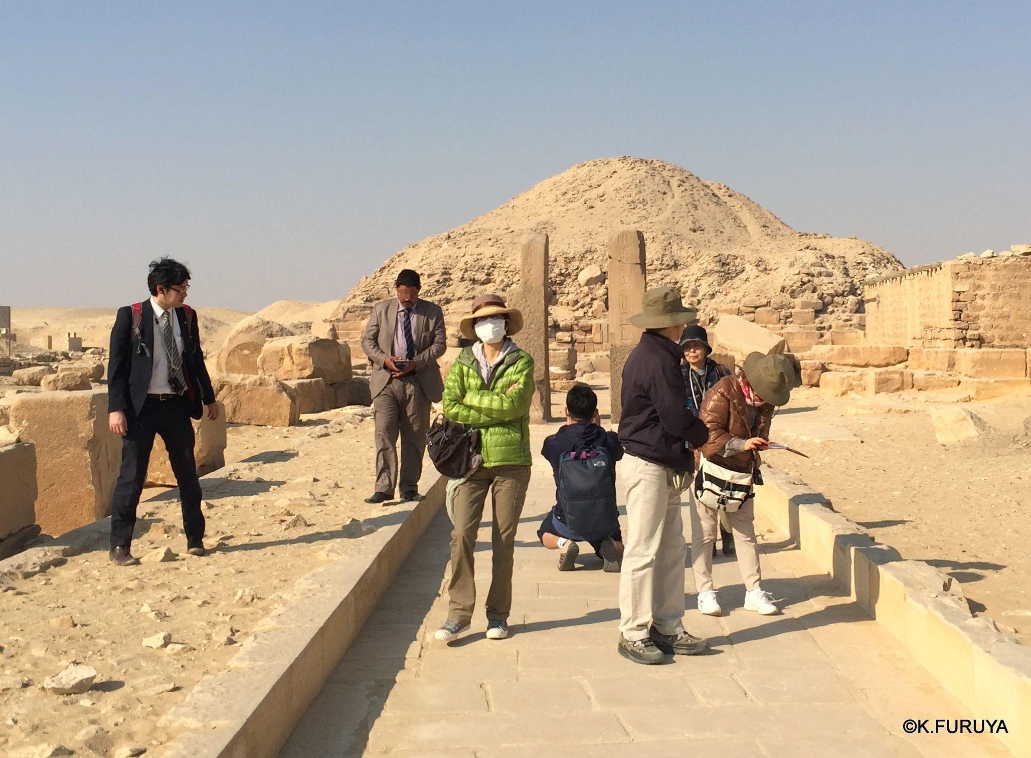"""エジプト史最古の史跡を訪ねて  \""""サッカラ\""""_a0092659_08245188.jpg"""
