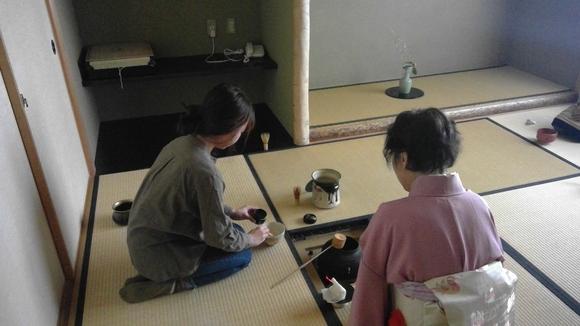 日曜朝教室のお茶会_e0175020_2144538.jpg