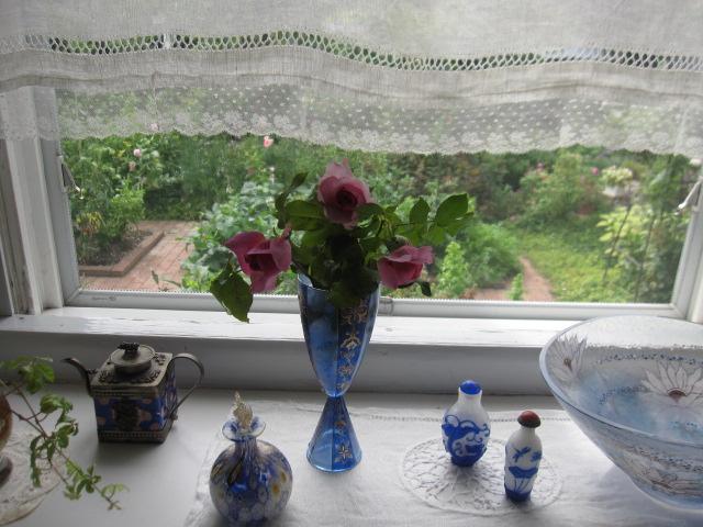 お庭が薔薇で綺麗になってきた~_a0279743_1917238.jpg