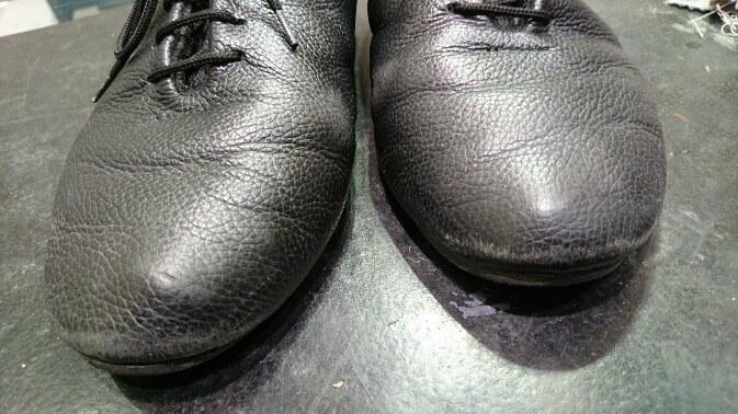 黒い靴には黒いクリームを使いたい!_b0226322_18495364.jpg