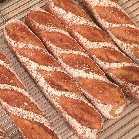 お店でパンを焼いてきました!_b0345432_18195840.jpg