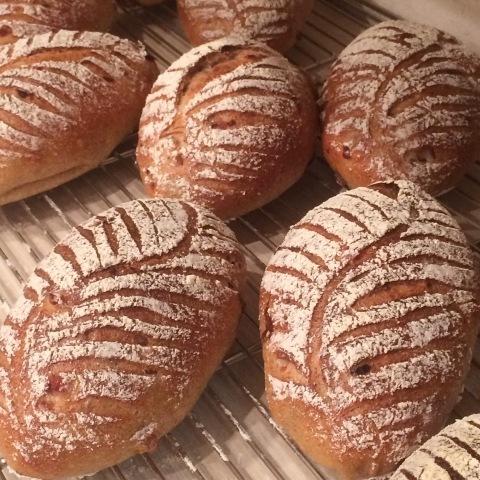 お店でパンを焼いてきました!_b0345432_18203162.jpg